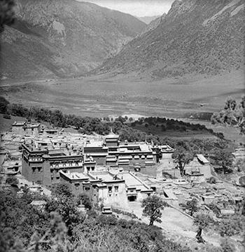 Reting Monastery. Photo: Hugh Richardson.